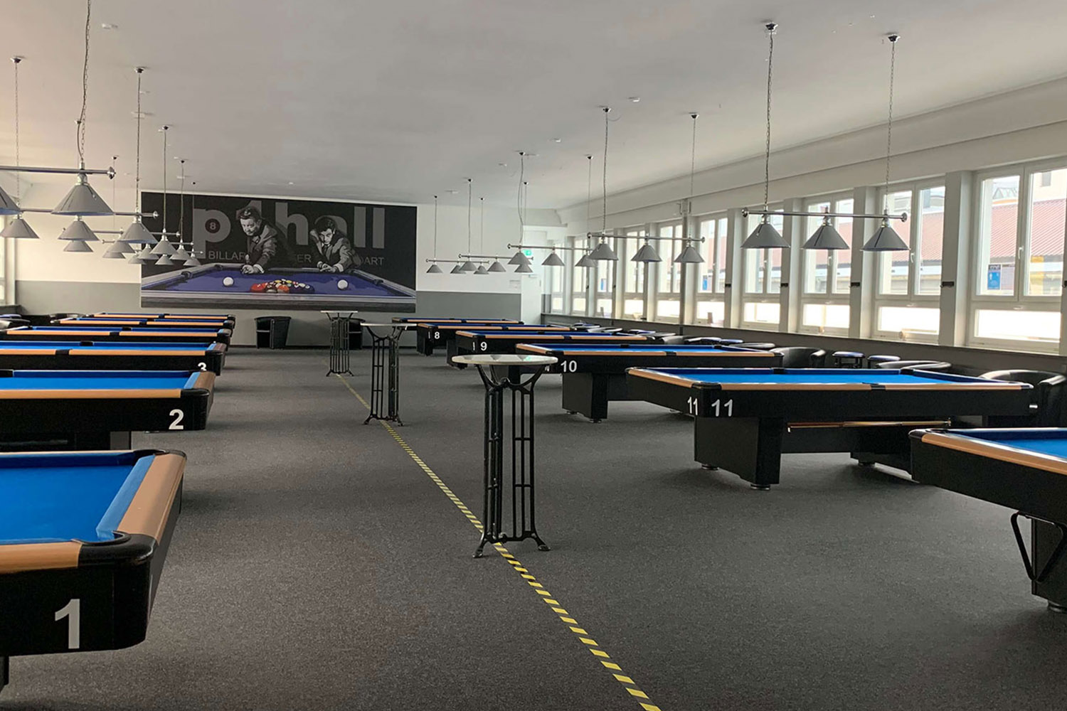 P1 Hall Billiardtische